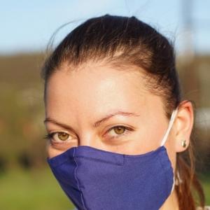 Masken und Schutzschilde